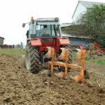 Labour avant semis du Haricot-Maïs du Béarn